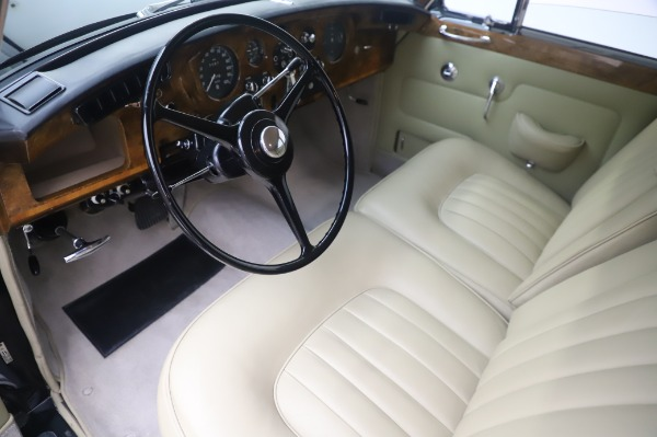 Used 1965 Rolls-Royce Silver Cloud III for sale $99,900 at Alfa Romeo of Greenwich in Greenwich CT 06830 14
