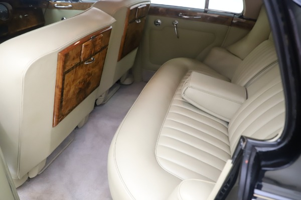 Used 1965 Rolls-Royce Silver Cloud III for sale $99,900 at Alfa Romeo of Greenwich in Greenwich CT 06830 19
