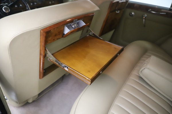 Used 1965 Rolls-Royce Silver Cloud III for sale $99,900 at Alfa Romeo of Greenwich in Greenwich CT 06830 20