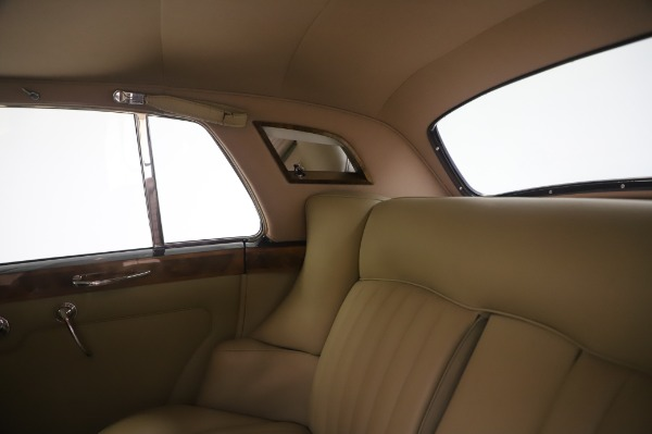 Used 1965 Rolls-Royce Silver Cloud III for sale $99,900 at Alfa Romeo of Greenwich in Greenwich CT 06830 22