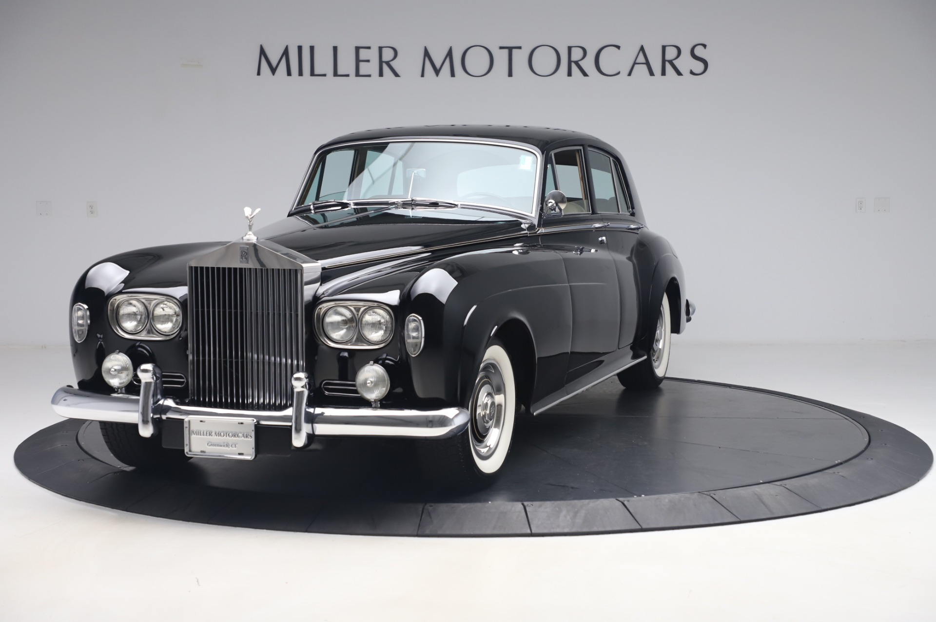 Used 1965 Rolls-Royce Silver Cloud III for sale $99,900 at Alfa Romeo of Greenwich in Greenwich CT 06830 1