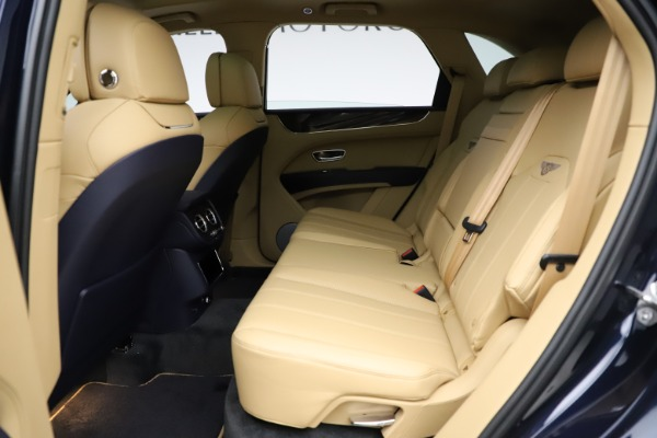 New 2021 Bentley Bentayga V8 for sale Sold at Alfa Romeo of Greenwich in Greenwich CT 06830 21