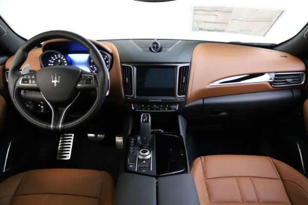 New 2020 Maserati Levante Q4 GranSport for sale Sold at Alfa Romeo of Greenwich in Greenwich CT 06830 16