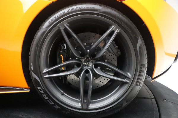 Used 2017 McLaren 570S Coupe for sale $149,900 at Alfa Romeo of Greenwich in Greenwich CT 06830 15