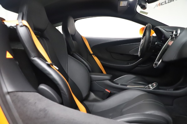 Used 2017 McLaren 570S Coupe for sale $149,900 at Alfa Romeo of Greenwich in Greenwich CT 06830 21