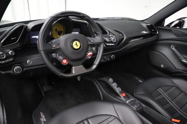 Used 2017 Ferrari 488 Spider for sale $284,900 at Alfa Romeo of Greenwich in Greenwich CT 06830 19