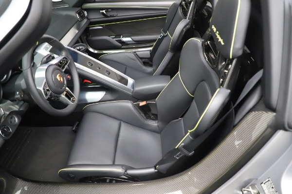 Used 2015 Porsche 918 Spyder for sale $1,389,900 at Alfa Romeo of Greenwich in Greenwich CT 06830 23