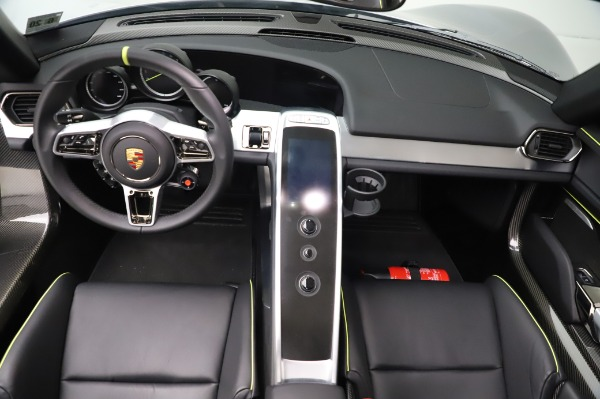 Used 2015 Porsche 918 Spyder for sale $1,389,900 at Alfa Romeo of Greenwich in Greenwich CT 06830 26