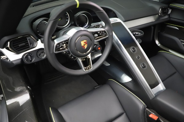 Used 2015 Porsche 918 Spyder for sale $1,389,900 at Alfa Romeo of Greenwich in Greenwich CT 06830 27