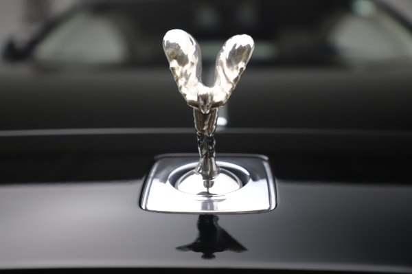 Used 2015 Rolls-Royce Wraith Base for sale $168,900 at Alfa Romeo of Greenwich in Greenwich CT 06830 28