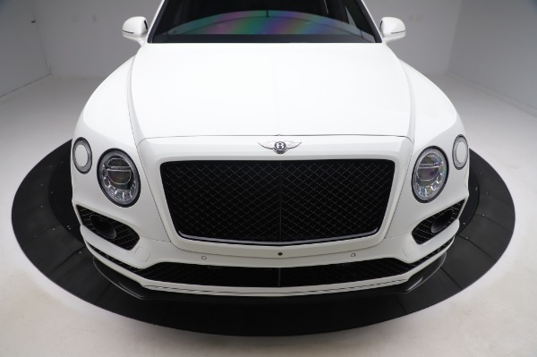 Used 2018 Bentley Bentayga Black Edition for sale $149,900 at Alfa Romeo of Greenwich in Greenwich CT 06830 13