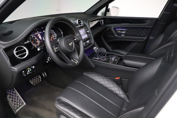 Used 2018 Bentley Bentayga Black Edition for sale $149,900 at Alfa Romeo of Greenwich in Greenwich CT 06830 19