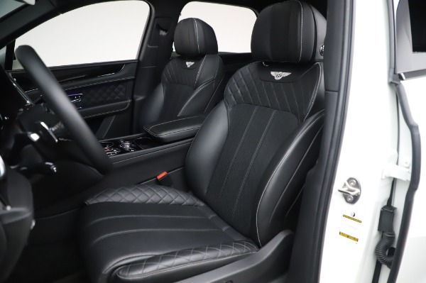 Used 2018 Bentley Bentayga Black Edition for sale $149,900 at Alfa Romeo of Greenwich in Greenwich CT 06830 21