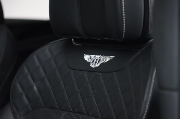 Used 2018 Bentley Bentayga Black Edition for sale $149,900 at Alfa Romeo of Greenwich in Greenwich CT 06830 22