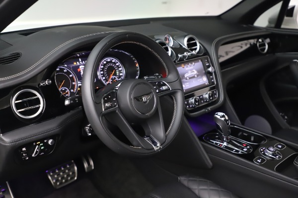 Used 2018 Bentley Bentayga Black Edition for sale $149,900 at Alfa Romeo of Greenwich in Greenwich CT 06830 23