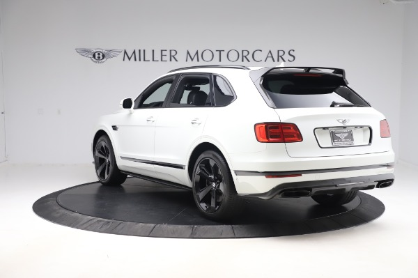 Used 2018 Bentley Bentayga Black Edition for sale $149,900 at Alfa Romeo of Greenwich in Greenwich CT 06830 5