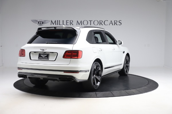 Used 2018 Bentley Bentayga Black Edition for sale $149,900 at Alfa Romeo of Greenwich in Greenwich CT 06830 7