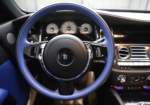 Used 2017 Rolls-Royce Wraith Black Badge for sale $269,900 at Alfa Romeo of Greenwich in Greenwich CT 06830 16