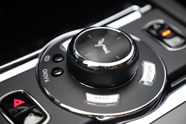 Used 2017 Rolls-Royce Wraith Black Badge for sale $269,900 at Alfa Romeo of Greenwich in Greenwich CT 06830 19