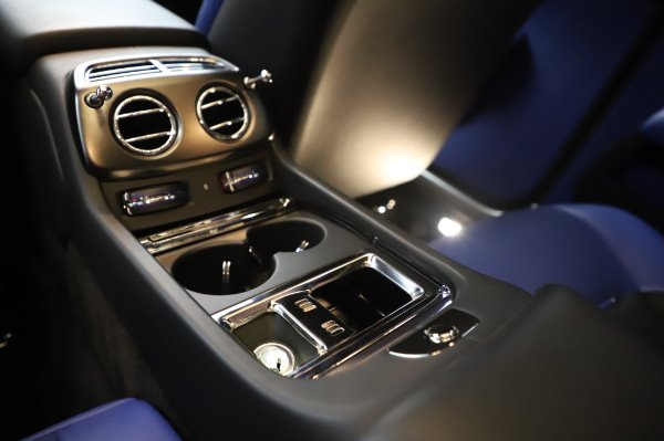 Used 2017 Rolls-Royce Wraith Black Badge for sale $269,900 at Alfa Romeo of Greenwich in Greenwich CT 06830 26