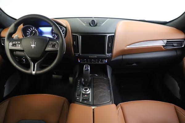 New 2020 Maserati Levante Q4 GranLusso for sale $88,635 at Alfa Romeo of Greenwich in Greenwich CT 06830 16
