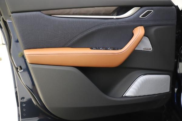 New 2020 Maserati Levante Q4 GranLusso for sale $88,635 at Alfa Romeo of Greenwich in Greenwich CT 06830 17
