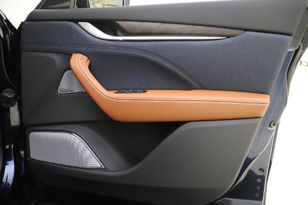 New 2020 Maserati Levante Q4 GranLusso for sale $88,635 at Alfa Romeo of Greenwich in Greenwich CT 06830 25