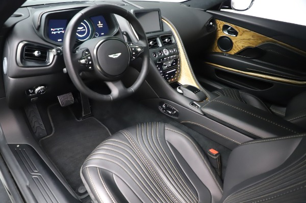 Used 2017 Aston Martin DB11 V12 Coupe for sale $149,900 at Alfa Romeo of Greenwich in Greenwich CT 06830 13