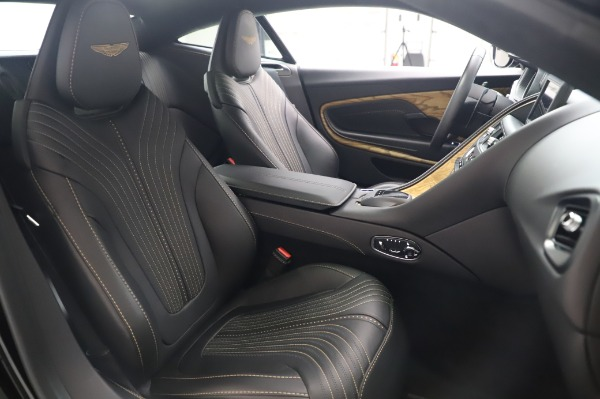 Used 2017 Aston Martin DB11 V12 Coupe for sale $149,900 at Alfa Romeo of Greenwich in Greenwich CT 06830 23