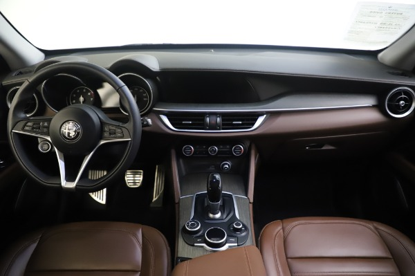 Used 2019 Alfa Romeo Stelvio Ti Lusso for sale Sold at Alfa Romeo of Greenwich in Greenwich CT 06830 16