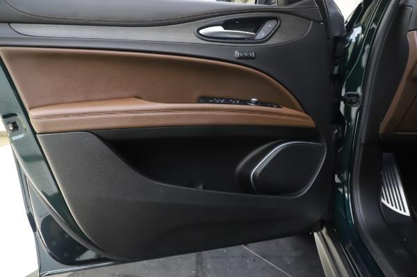 Used 2019 Alfa Romeo Stelvio Ti Lusso for sale Sold at Alfa Romeo of Greenwich in Greenwich CT 06830 17