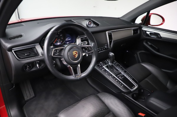 Used 2017 Porsche Macan GTS for sale $57,900 at Alfa Romeo of Greenwich in Greenwich CT 06830 13