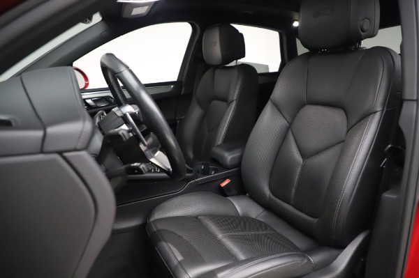 Used 2017 Porsche Macan GTS for sale $57,900 at Alfa Romeo of Greenwich in Greenwich CT 06830 15