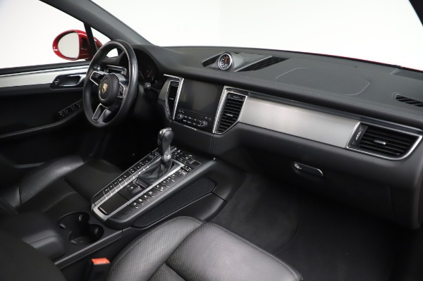 Used 2017 Porsche Macan GTS for sale $57,900 at Alfa Romeo of Greenwich in Greenwich CT 06830 18