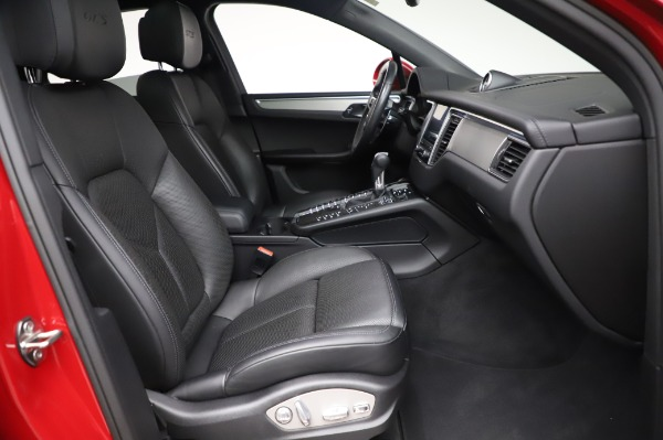 Used 2017 Porsche Macan GTS for sale $57,900 at Alfa Romeo of Greenwich in Greenwich CT 06830 19