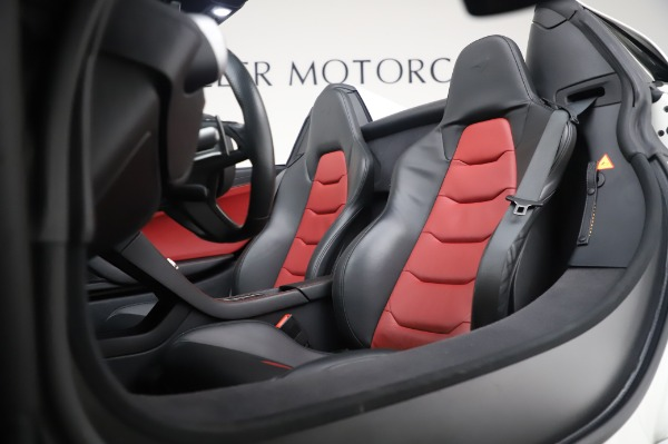 Used 2016 McLaren 650S Spider for sale Sold at Alfa Romeo of Greenwich in Greenwich CT 06830 25