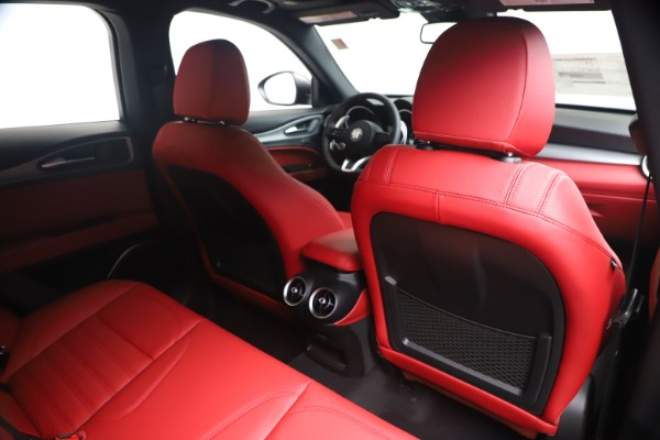 New 2020 Alfa Romeo Stelvio Ti Sport Q4 for sale Sold at Alfa Romeo of Greenwich in Greenwich CT 06830 28