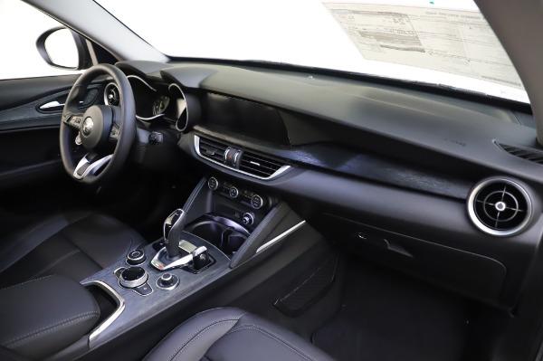 New 2020 Alfa Romeo Stelvio for sale $50,145 at Alfa Romeo of Greenwich in Greenwich CT 06830 24