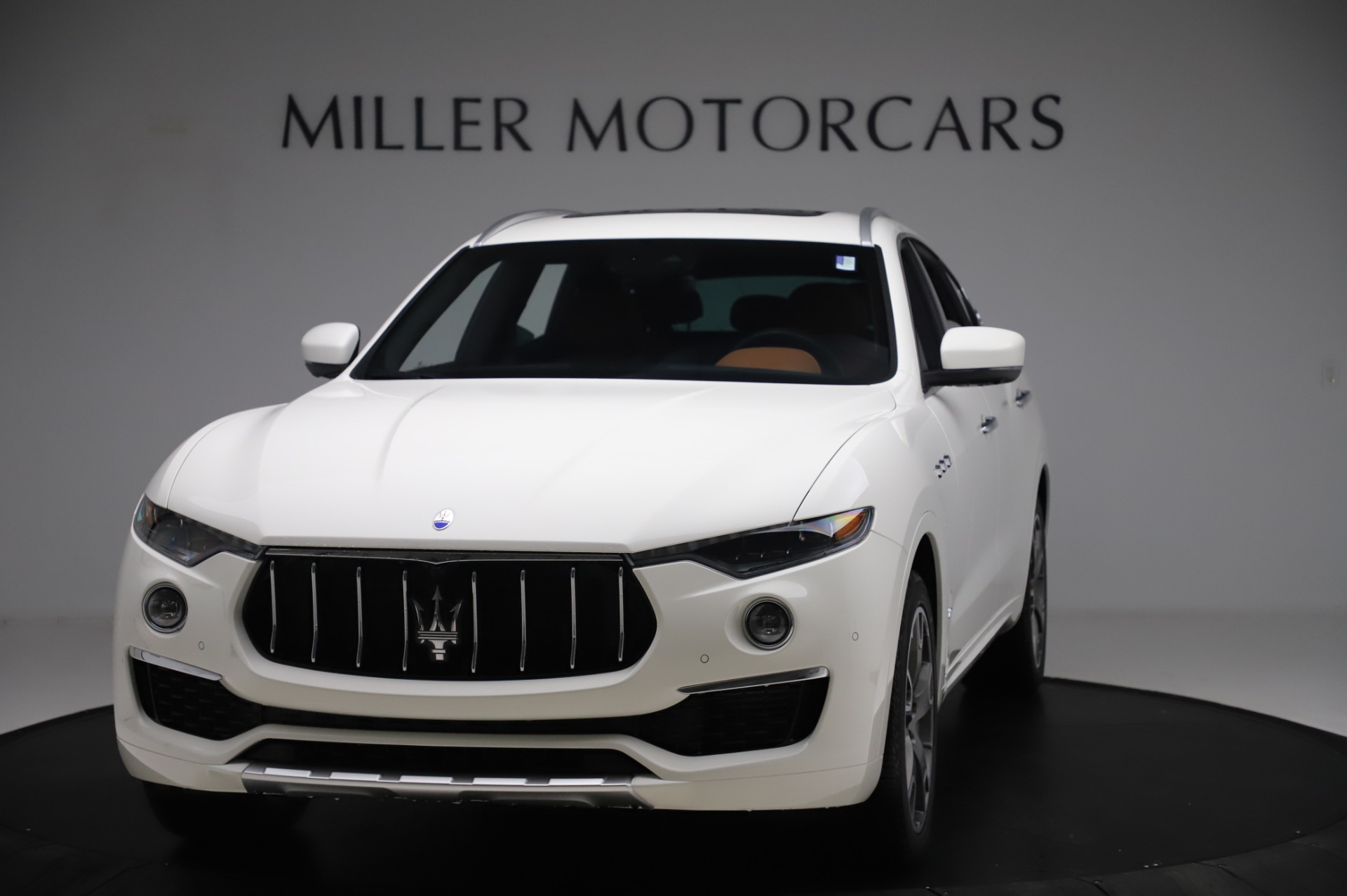 New 2020 Maserati Levante Q4 GranLusso for sale $87,449 at Alfa Romeo of Greenwich in Greenwich CT 06830 1