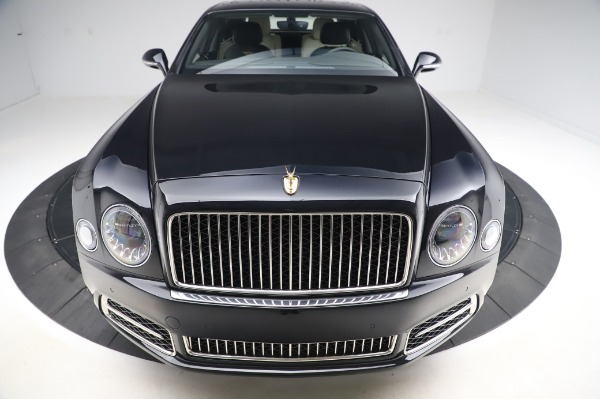 Used 2018 Bentley Mulsanne Speed for sale $239,900 at Alfa Romeo of Greenwich in Greenwich CT 06830 13