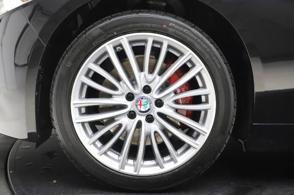 New 2020 Alfa Romeo Giulia Ti Lusso Q4 for sale $51,195 at Alfa Romeo of Greenwich in Greenwich CT 06830 14