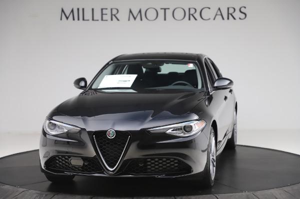 New 2020 Alfa Romeo Giulia Ti Lusso Q4 for sale $51,195 at Alfa Romeo of Greenwich in Greenwich CT 06830 1
