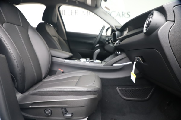 New 2020 Alfa Romeo Stelvio Q4 for sale $49,795 at Alfa Romeo of Greenwich in Greenwich CT 06830 23