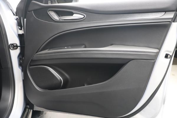 New 2020 Alfa Romeo Stelvio Q4 for sale $49,795 at Alfa Romeo of Greenwich in Greenwich CT 06830 25