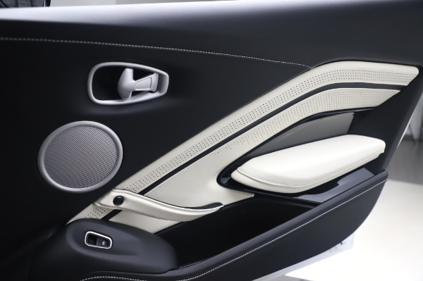 New 2020 Aston Martin Vantage for sale $181,781 at Alfa Romeo of Greenwich in Greenwich CT 06830 18