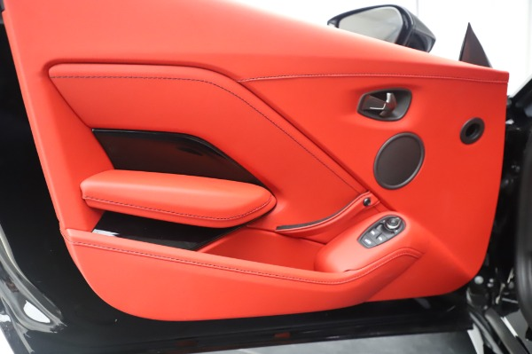 New 2020 Aston Martin Vantage for sale $185,181 at Alfa Romeo of Greenwich in Greenwich CT 06830 16