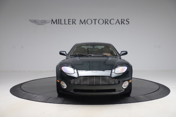 Used 2003 Aston Martin V12 Vanquish Coupe for sale $79,900 at Alfa Romeo of Greenwich in Greenwich CT 06830 12