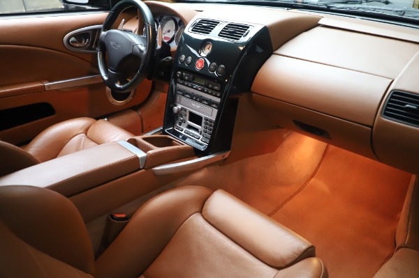 Used 2003 Aston Martin V12 Vanquish Coupe for sale $79,900 at Alfa Romeo of Greenwich in Greenwich CT 06830 20