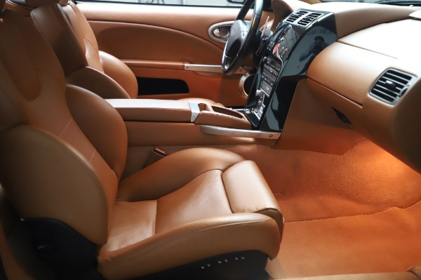 Used 2003 Aston Martin V12 Vanquish Coupe for sale $79,900 at Alfa Romeo of Greenwich in Greenwich CT 06830 21
