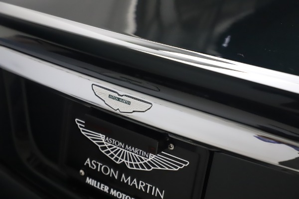 Used 2003 Aston Martin V12 Vanquish Coupe for sale $79,900 at Alfa Romeo of Greenwich in Greenwich CT 06830 26